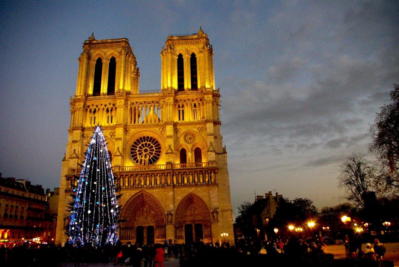 Notre Dame Christmas