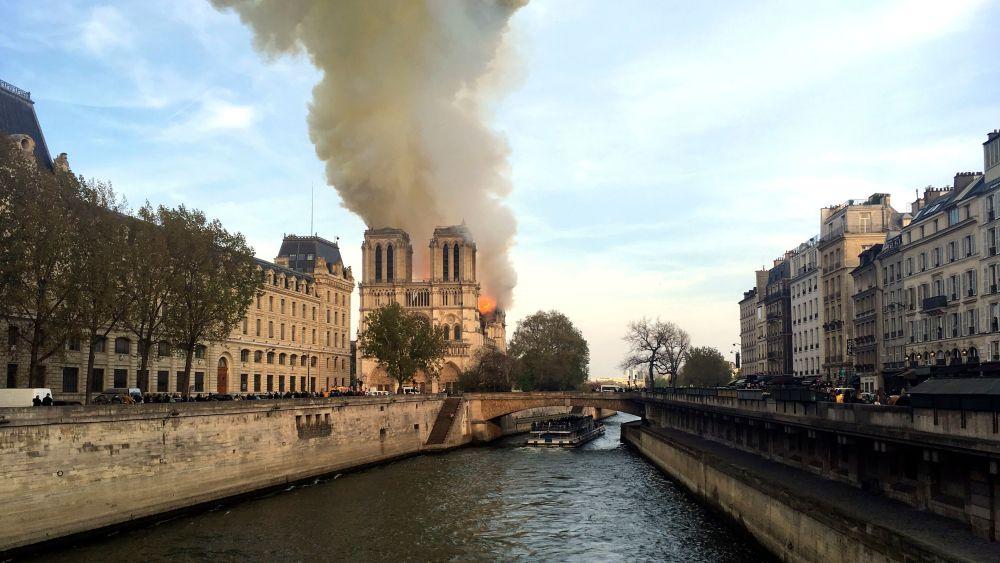 Notre Dame fire exterior
