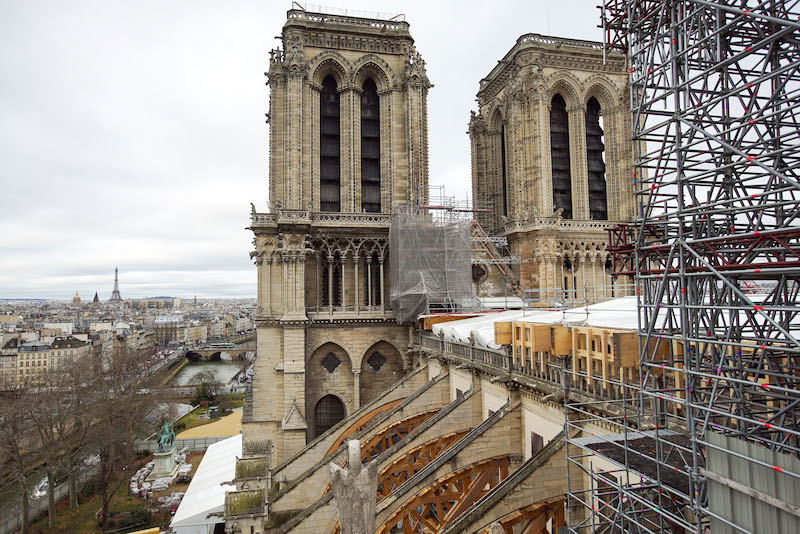 The damaged roff of Notre Dame