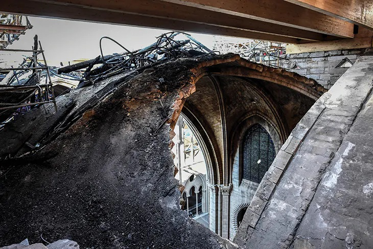 a hole in Notre Dame's roof
