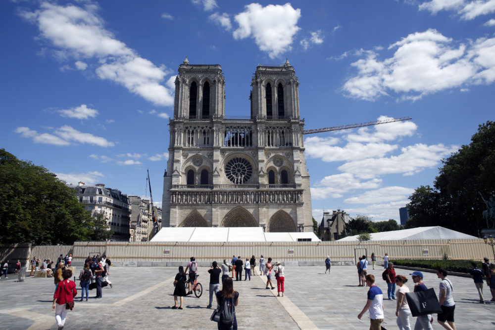 Exterior Notre Dame May 2020